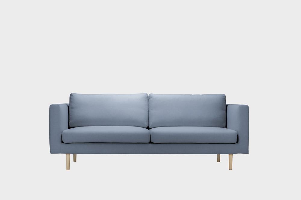 Cosy-sohvan irtopäällinen vaaleansinisellä Soft-kankaalla.