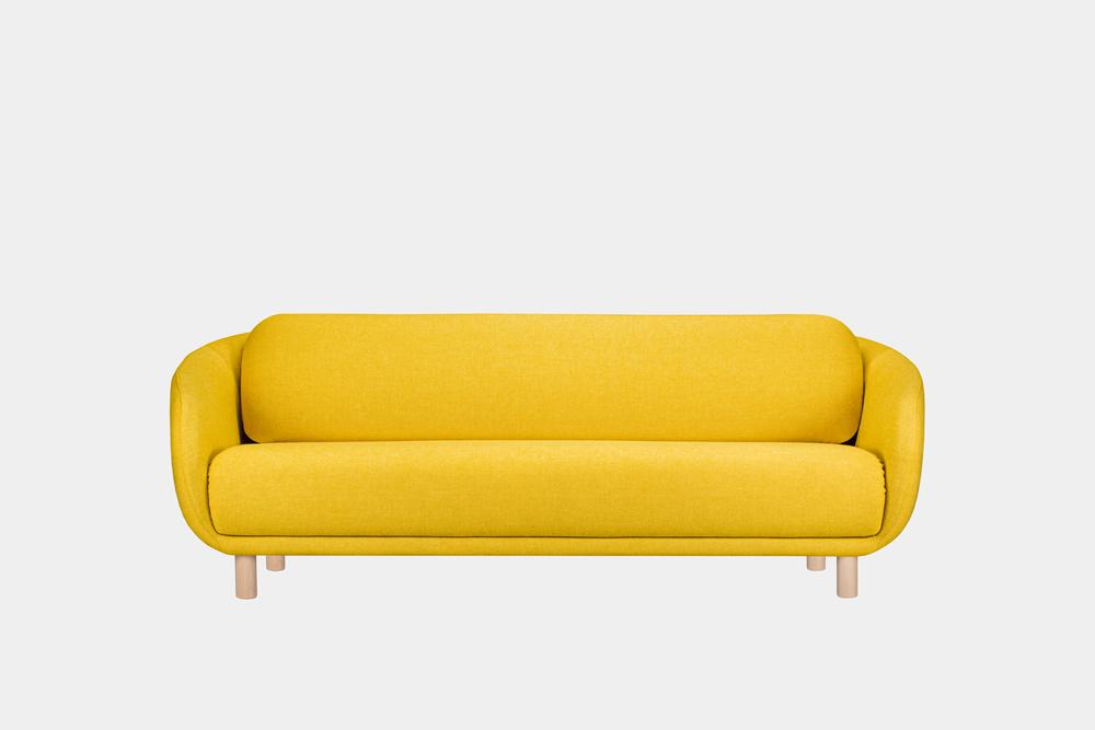 iso Bobo-sohva sahramin värisellä Hallingdal-kankaalla ja koivujalalla.