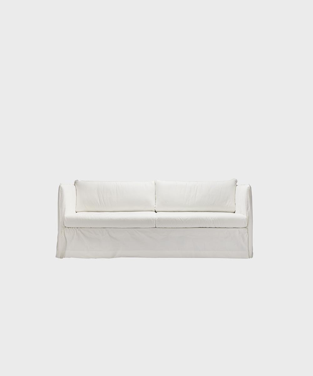 Filippa-sohva valkoisella Ranch-kankaalla.