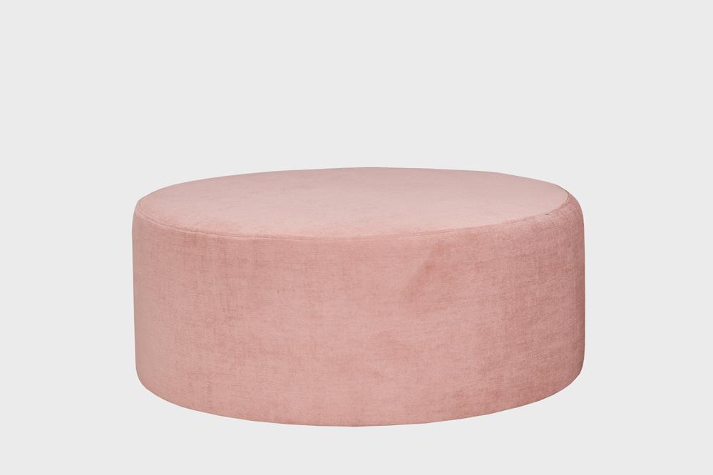 Iso Moon-rahi vaaleanpunaisella Musone-kankaalla.