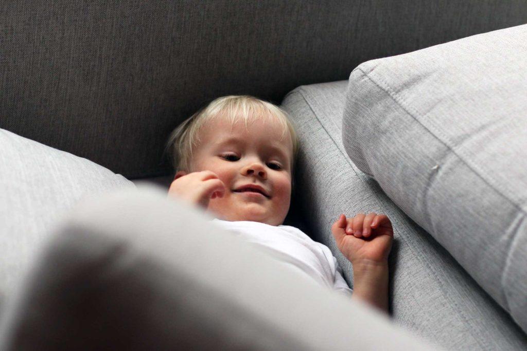 Sohvatyynyjen irtopäällisten huolto