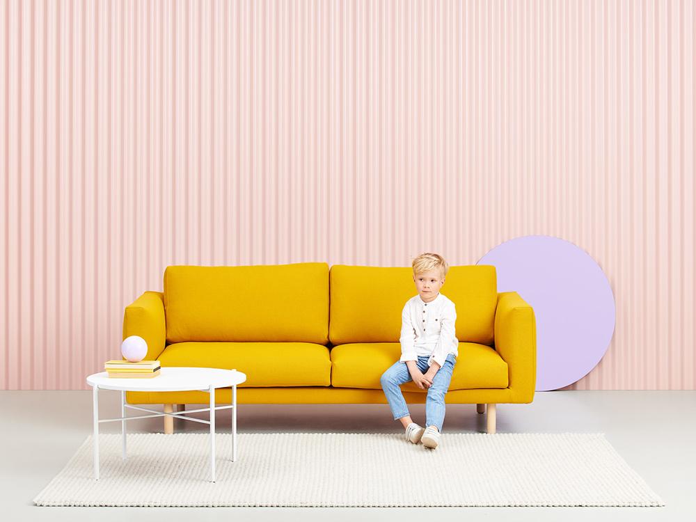 Hakola Cosy Pocket -sohva ja Round-pöytä.