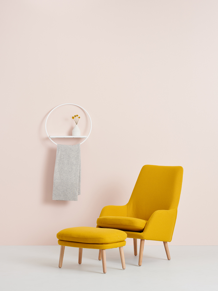 Hakola Lempi-hylly ja Day-tuoli sekä -rahi