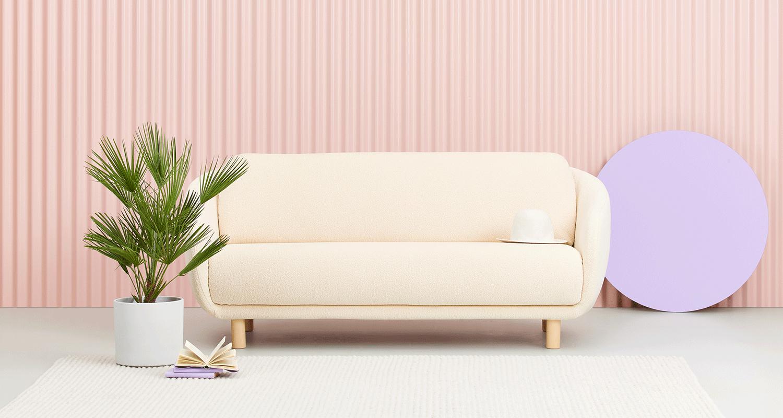 Hakola Bobo Classic 2:n istuttava sohva luonnonvalkoisella Cloud-kankaalla ja koivu jaloilla