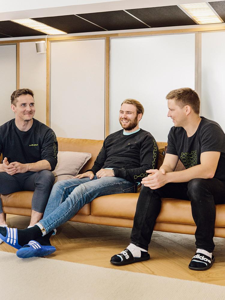 Hakola Lazy Fine Leather -sohva HUH Helsingin tiloissa