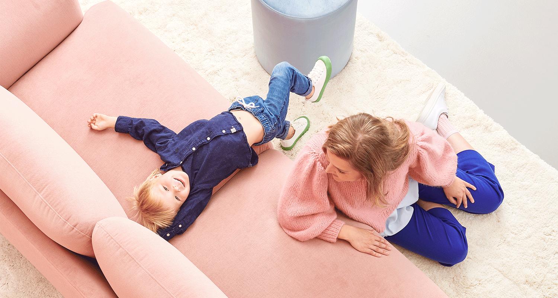 Hakola Jumbo 3:n istuttava sohva vaaleanpunaisella Soft-kankaalla