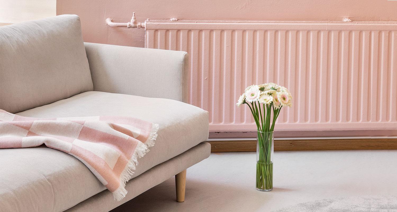 Hakola Lazy Classic -sohva laten värisellä Soft-kankaalla ja tammi jaloilla