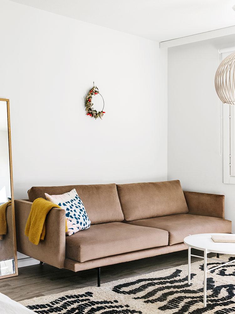 Hakola Friends: Lazy Velvet 3:n istuttava -sohva Minnin kotona