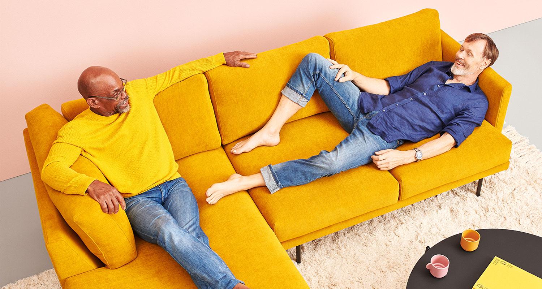 Hakola Lazy Classic pieni -kulmadivaani okran värisellä Soft-kankaalla