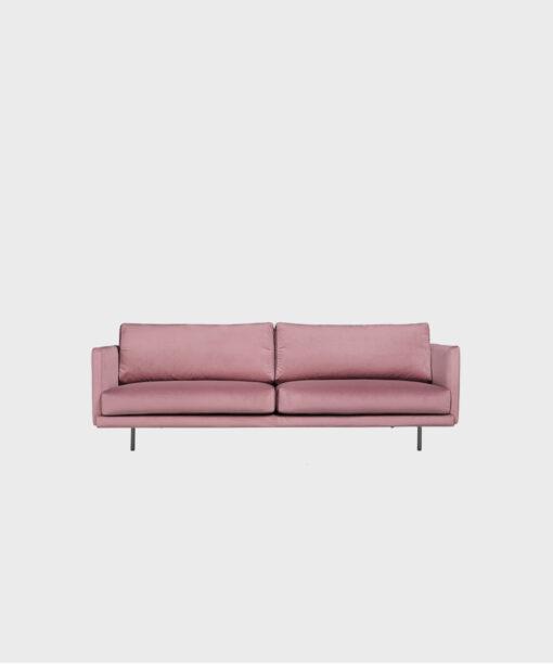 Hakola Lazy Velvet -vuodesohva roosan värisellä Musone-kankaalla ja mustilla metallijaloilla